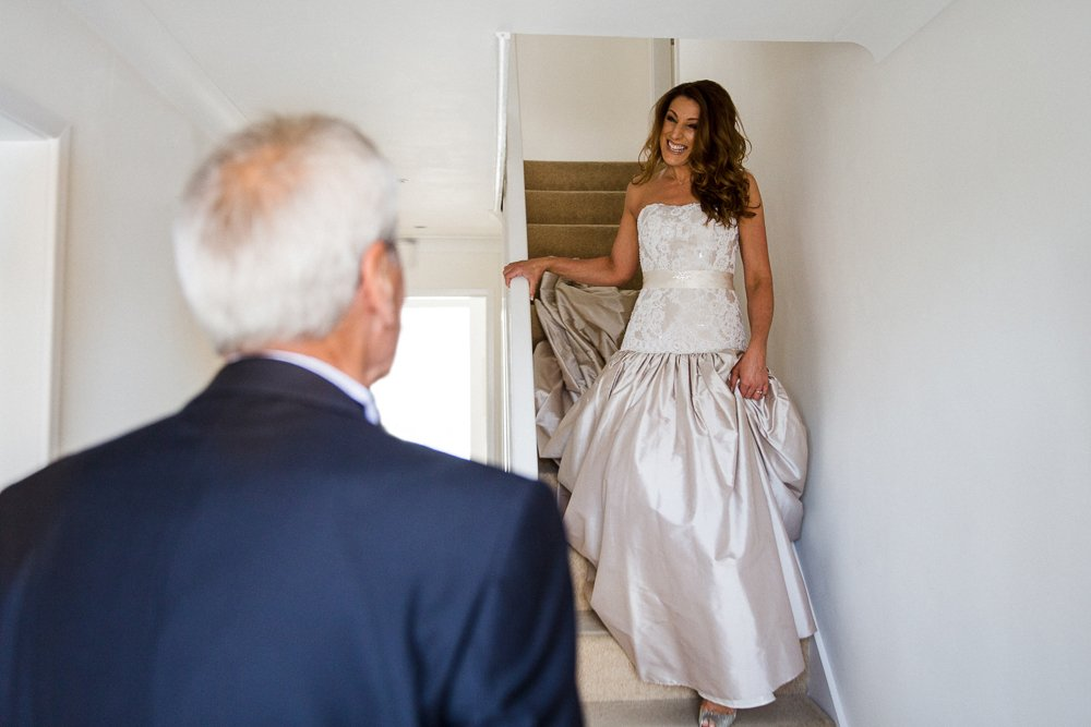 father of bride sees daughter first time
