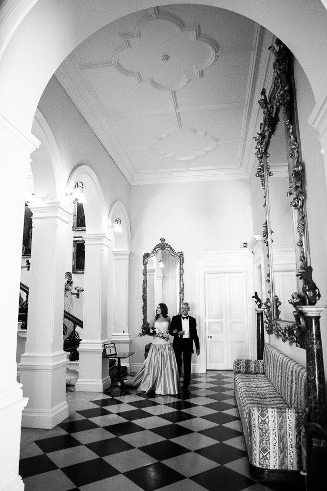 bride arriving capesthorne hall