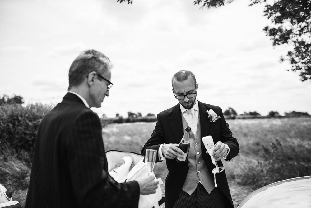 Documentary wedding photography_0033