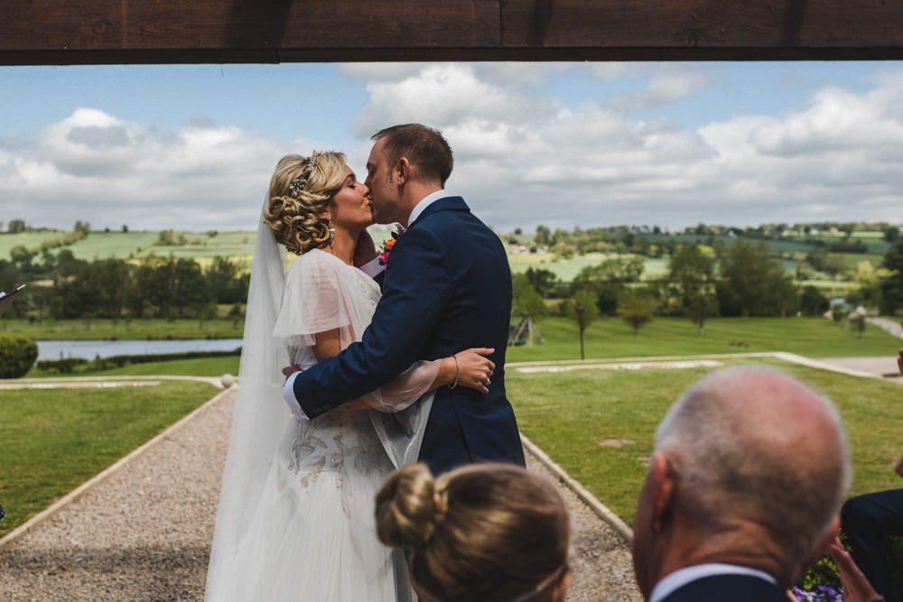 Wedding barn richmond outsidoor wedding