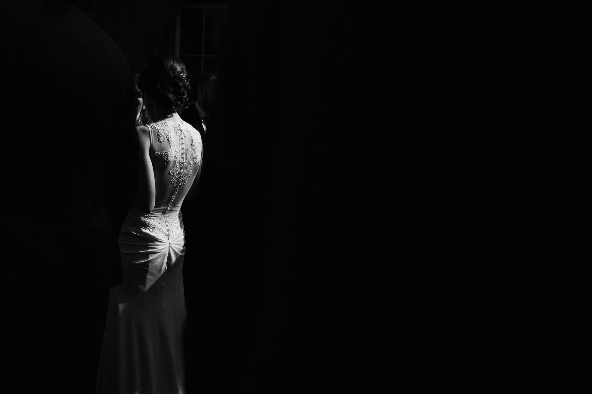 brides wedding dress back